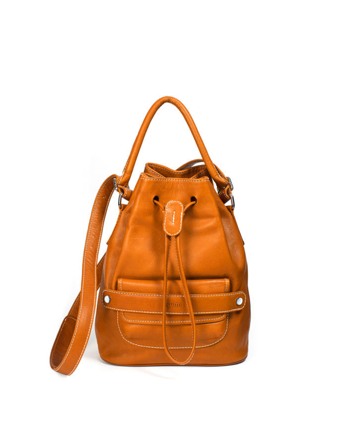 LUMI Katariina Large Bucket Bag, in cognac.