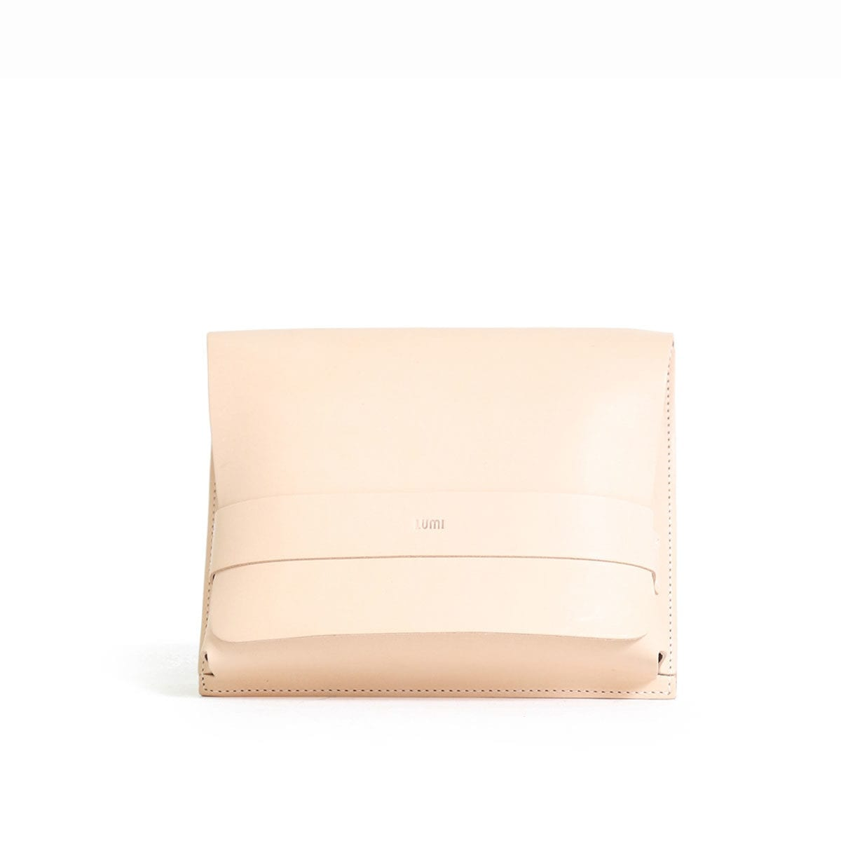 LUMI Large Case Meeting Pocket is created using natural vegetable tanned cow leather.