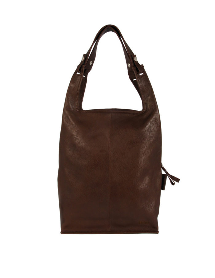 LUMI Supermarket Bag Large in Brown is great daily essential for both business and pleasure.LUMI Supermarket Bag Large in Sand colour is great daily essential for both business and pleasure.