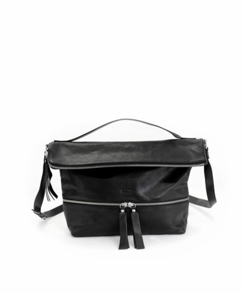 LUMI Lyydia Shoulder Bag, in black, is made of vegetable tanned goat leather. Chemical free dyeing.