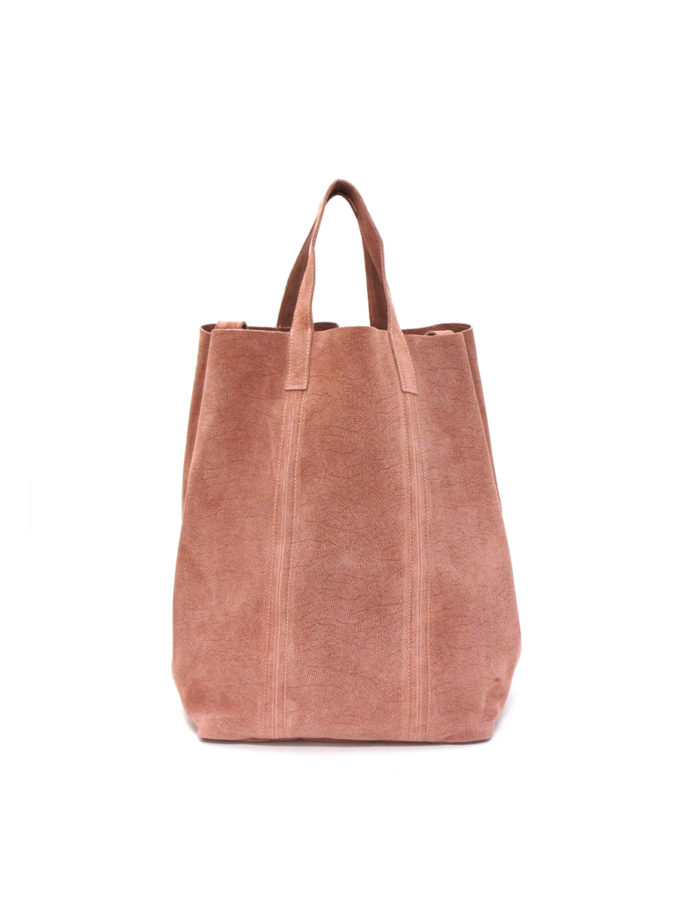 LUMI Linda Large Tote Bubbles, in rose, is from our Limited Edition. Linda makes a perfect accessory for toting around town, in style.