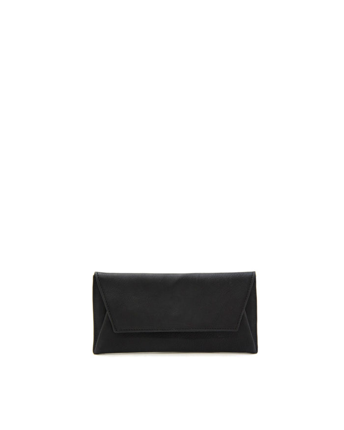 LUMI Thor Wallet, in black. Created using vegetable tanned, pull-up waxed leather.