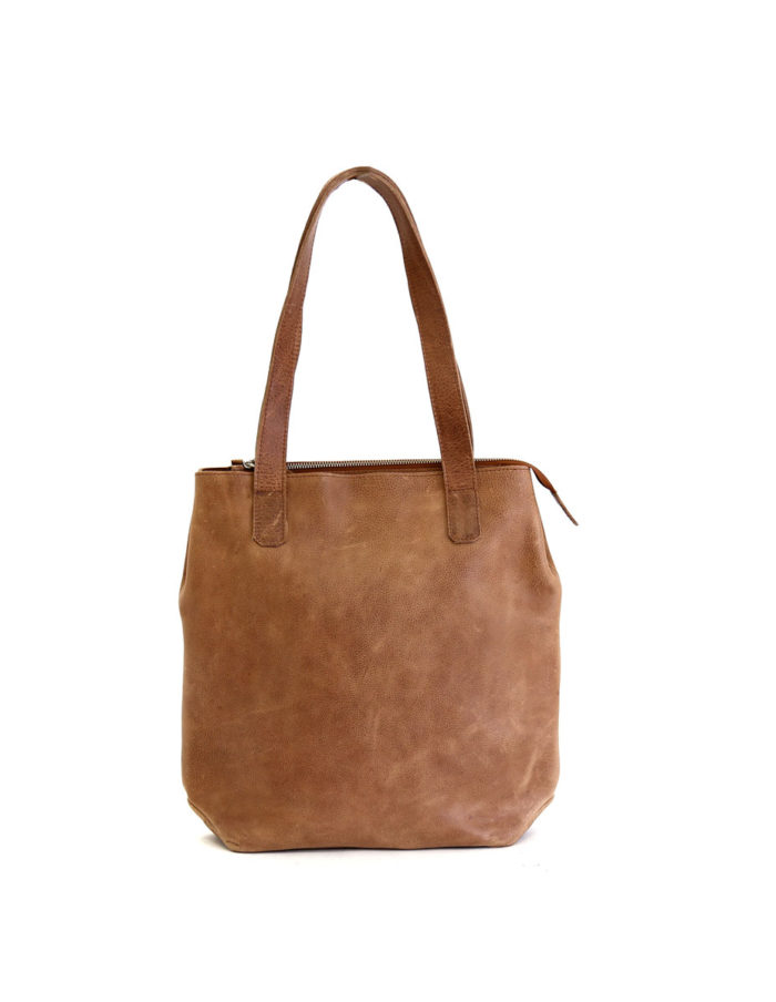 LUMI Lars Open Tote, in beige. Created using vegetable tanned leather.