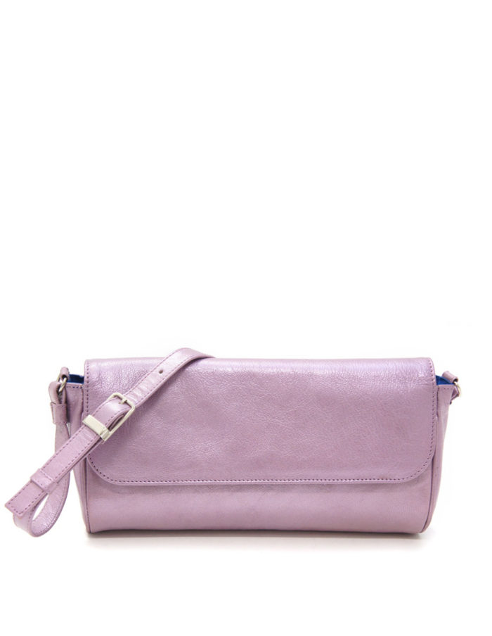 LUMI Eeva Pouch Bag, in bougainvillea, is made of vegetable tanned goat leather. Chemical free dyeing.