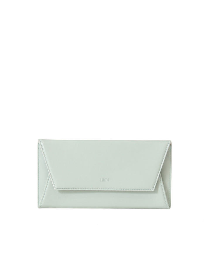 LUMI Talvikki Envelope Wallet in fresh mint and white combo. This wallet is perfect for daily use to safe-keep your cards and cash. Or use it as a clutch with your evening wear. The wallet is handmade from lovely and soft sheep napa leather, which makes it beautiful to hold in your hand.