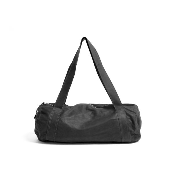 LUMI Tube Bag Black, in Black. The RAWTUS leather is so soft and light that at first look you don't even believe it's leather.