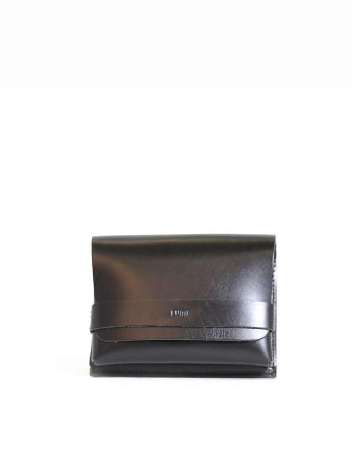 LUMI Medium Case Utility Pocket, in black, is created using natural vegetable tanned cow leather