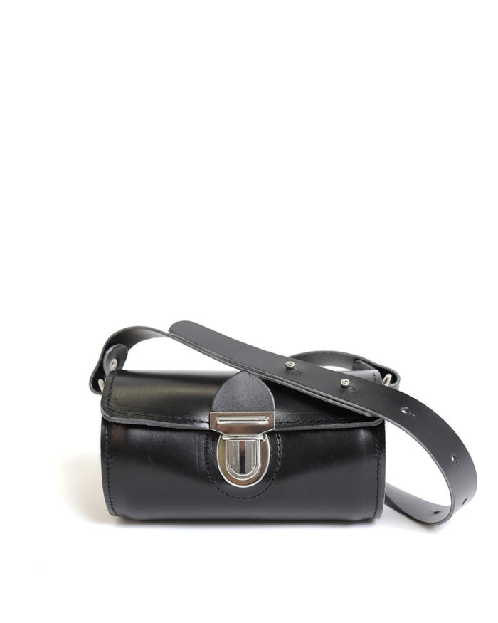 LUMI Aino Tube Bag, in black, is created using natural vegetable tanned cow leather.