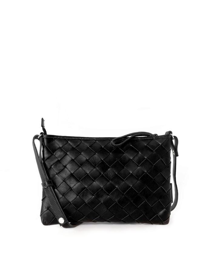 LUMI TRINE Woven Large Clutch in black
