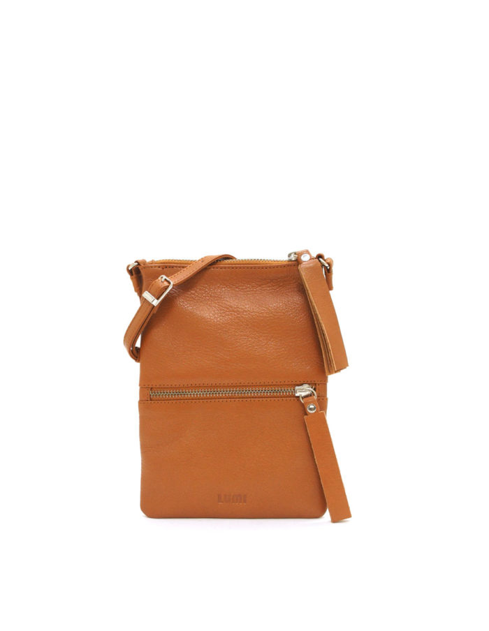 LUMI Hilda Double Pouch, in cognac, is made of vegetable tanned goat leather. Chemical free dyeing.