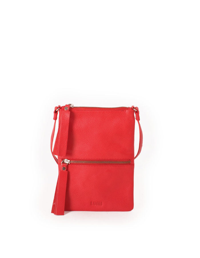 LUMI Hilda Double Pouch, in coral, is made of vegetable tanned goat leather. Chemical free dyeing.