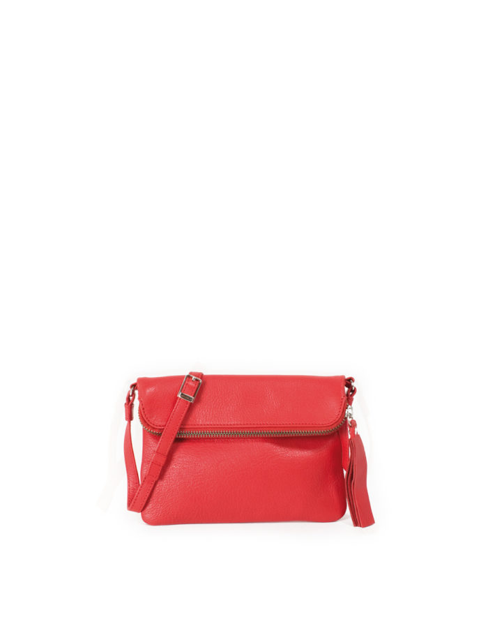 LUMI Stella Pouch Bag, in coral, is made of vegetable tanned goat leather. Chemical free dyeing.