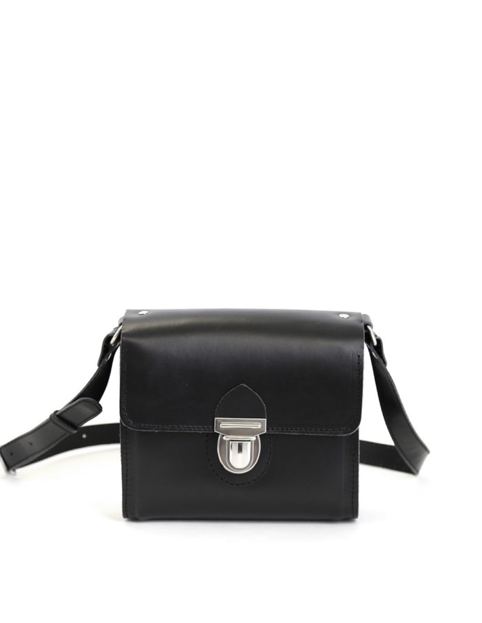 LUMI Hilla Messenger Bag, in black, is created using natural vegetable tanned cow leather.