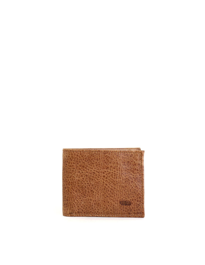 LUMI Riku Wallet, in beige, is created using vegetable tanned leather.