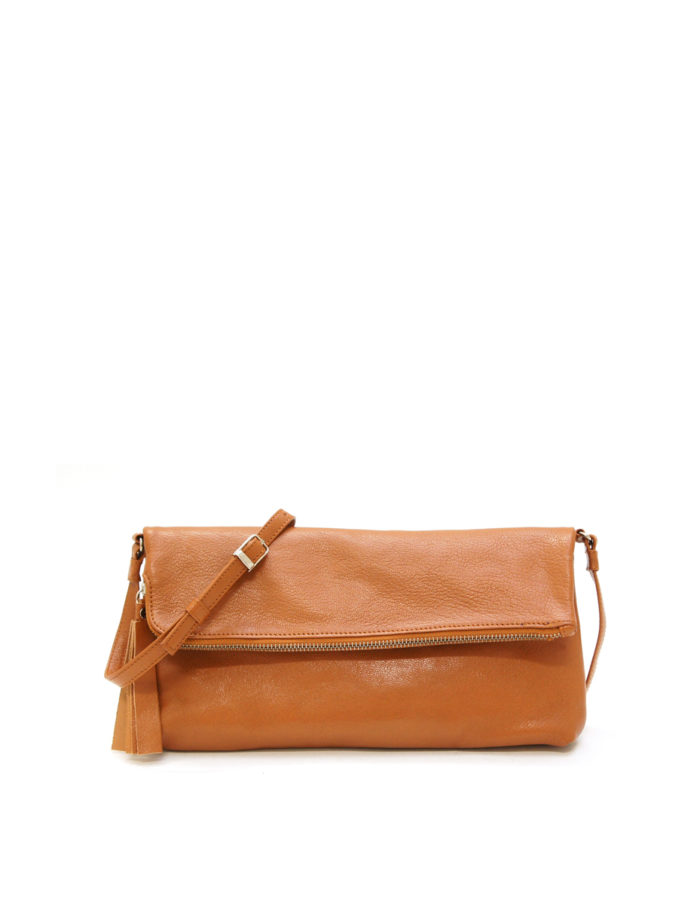 LUMI Stefanie Large Pouch, in cognac, is made of vegetable tanned goat leather. Chemical free dyeing.