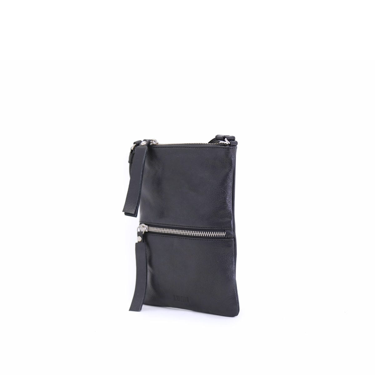 LUMI Hilda Double Pouch, in black, is made of vegetable tanned goat leather. Chemical free dyeing.