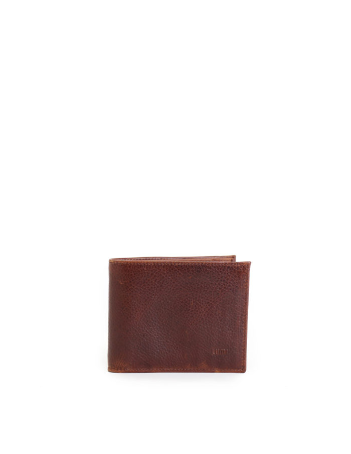 LUMI Riku Wallet, in beautiful brown toffee, is created using vegetable tanned leather.