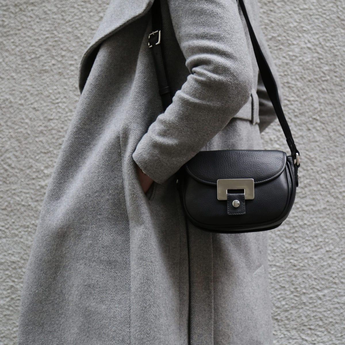 LUMI OLIVIA Mini Saddler in black
