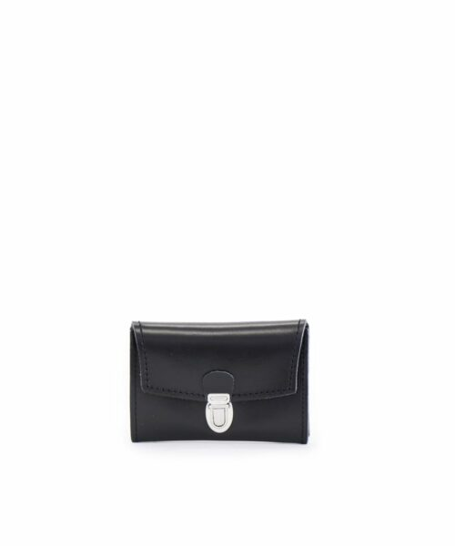 LUMI Petrus Coin Purse, in black, is created using natural vegetable tanned cow leather.
