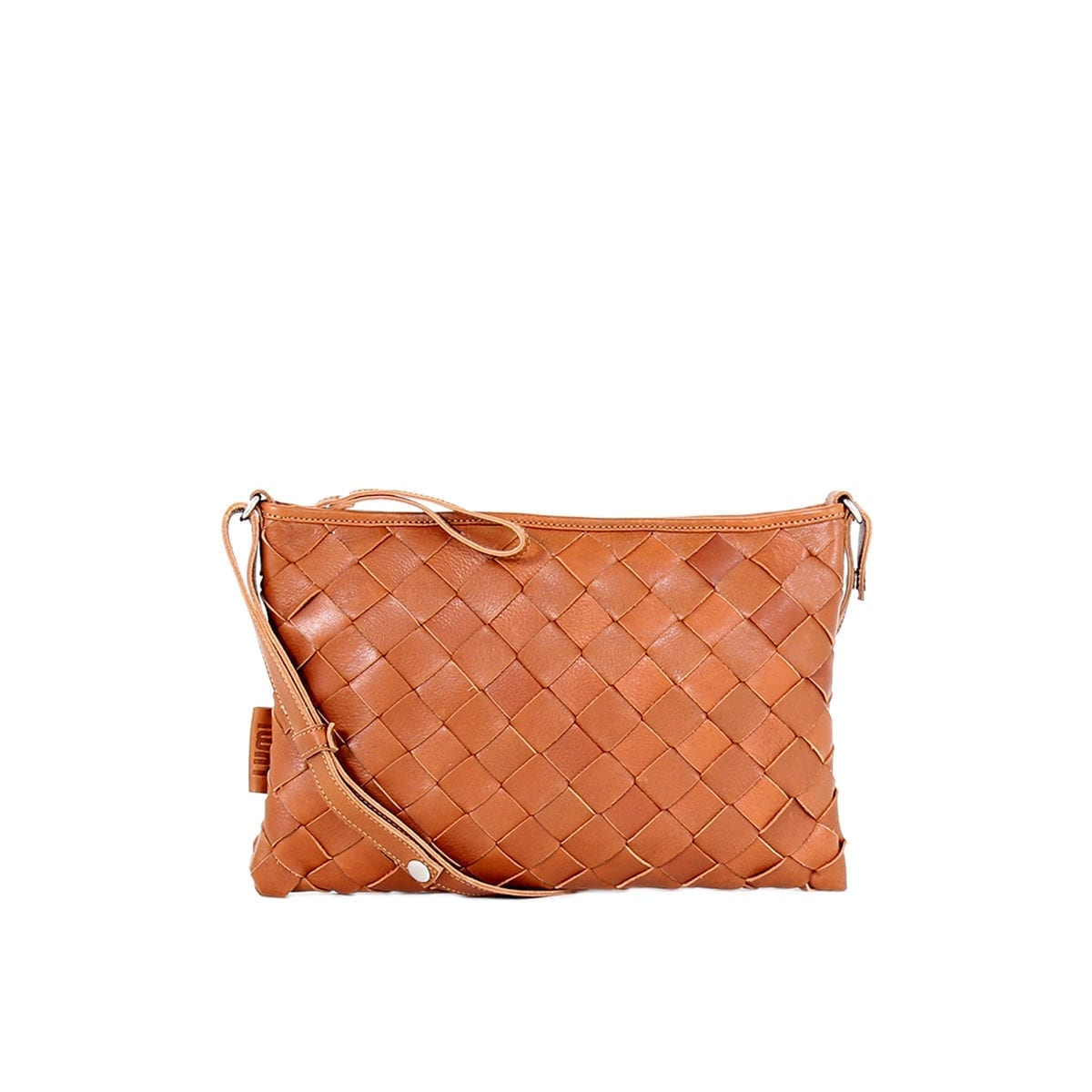 LUMI Trine Woven Clutch Large in beautiful cognac.