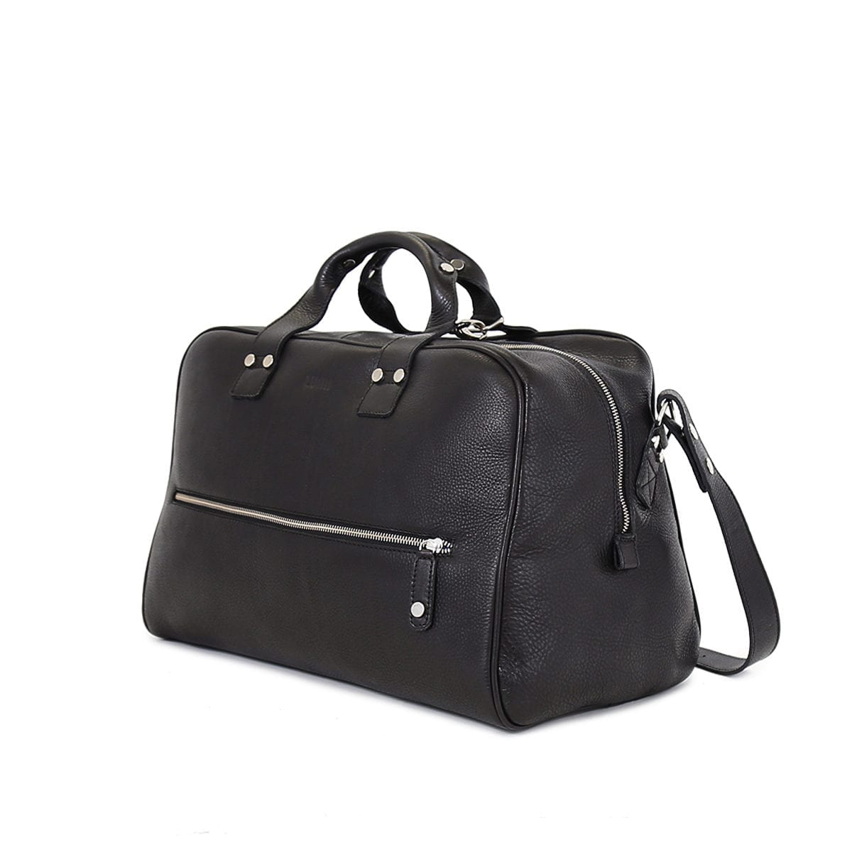 LUMI Kristian Weekender Bag in black. This roomy and handsome weekender bag fits all you need for a weekend away. Also fits your workout essentials.
