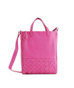 Signe Woven Tote in raspberry pink.