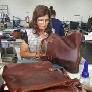 LUMI Mhann Line leather bags are manufactured in Portugal.